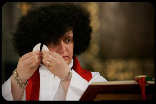 Sacerdotessa anglicana
