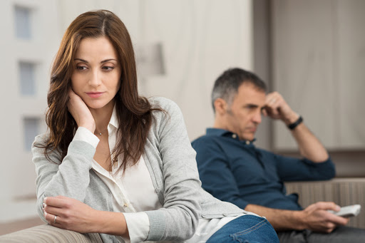 Sad couple after having quarrel © Rido / Shutterstock