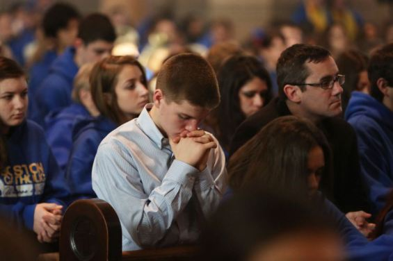 web-consecration-kneel-church-mass-roman-catholic-archdiocese-of-boston-cc