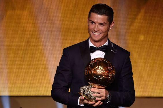 web-cristiano-ronaldo-golden-soccer-ball-fabrice-coffrini-afp-ai
