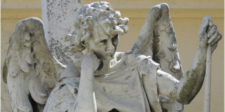 """Invocare il nostro angelo fa avvertire più vicina la sua protezione. La pratica dei """"martedì"""" è raccomandata dalla Chiesa."""