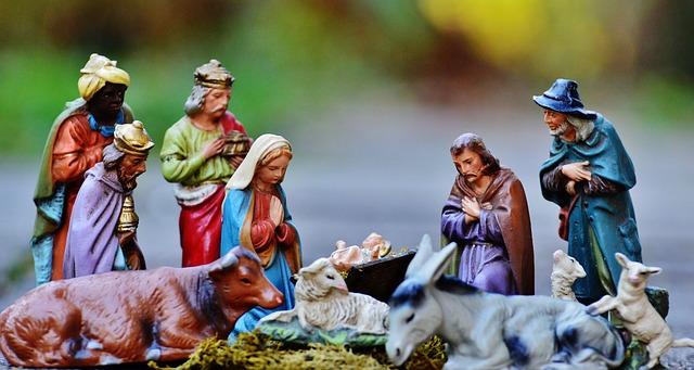 christmas-crib-figures-1060021_640