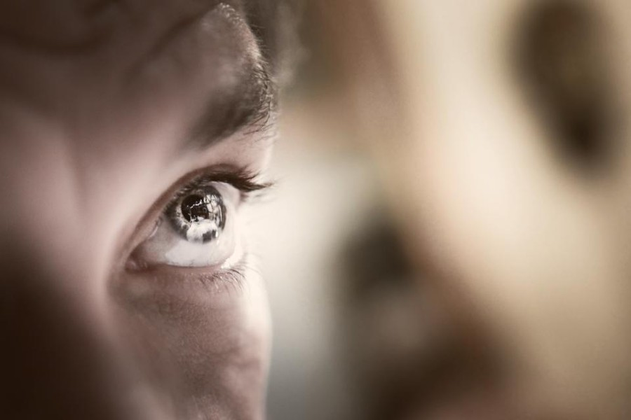 Man-Eyes-e1457719008851