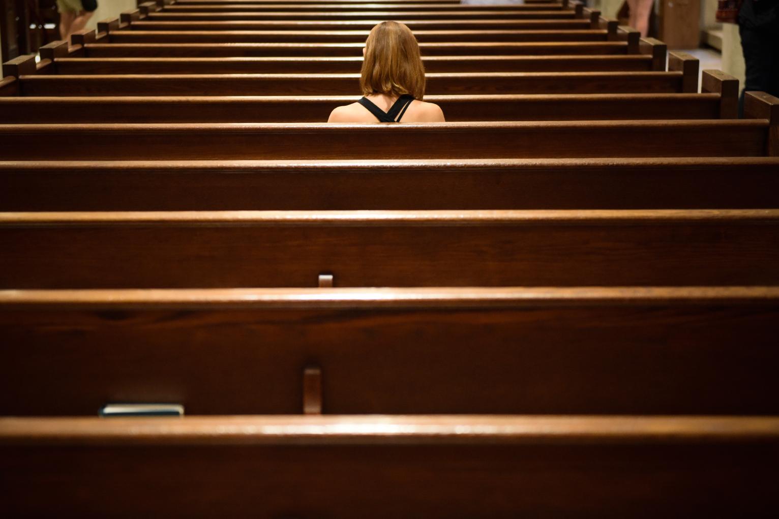 web-woman-alone-pew-church-jeffrey-bruno