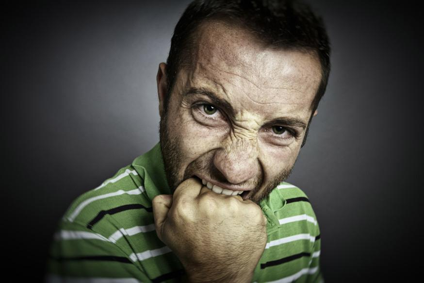 web-angry-man-pain-furious-shutterstock_238166629-alexandru-logel-ai