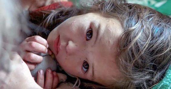 La bambina di 3 anni era viva! Era spaventata e infreddolita, aveva fame e sete ma era viva e stava bene.
