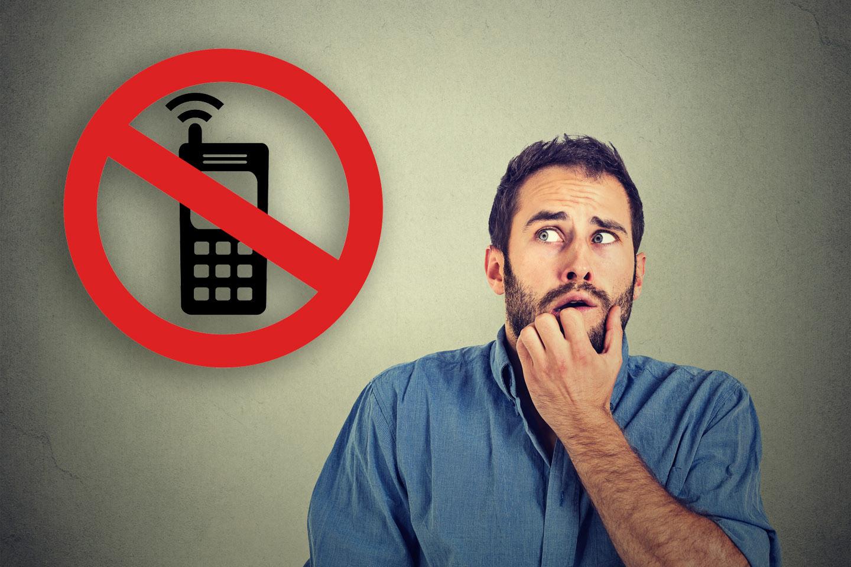 web-phone-phobia-man-fear-shutterstock_331807496-pathdoc-arcady-ai