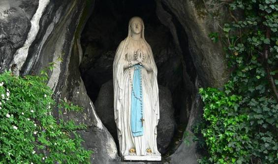 web-saint-feb-11-our-lady-of-lourdes-c2a9-manuel-gonzc3a1lez-olaechea-y-franco-cc