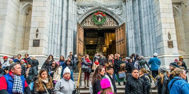 CROWD ENTERING CHURCH