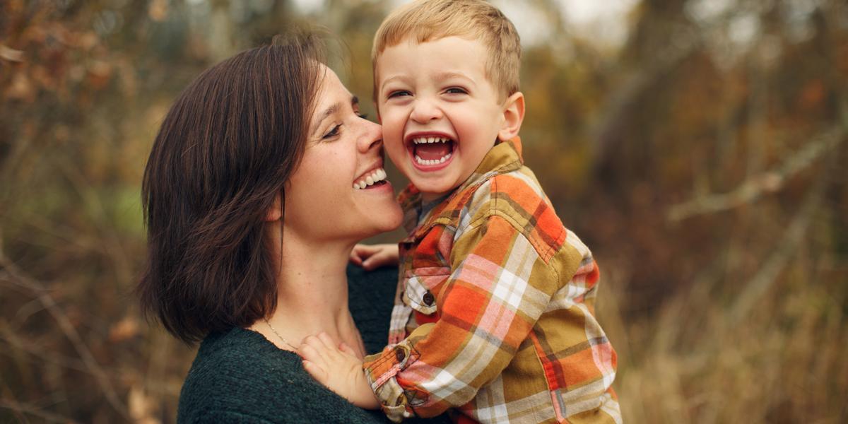 MOM,SON,HAPPY