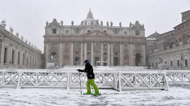 VATICAN SNOW ROME