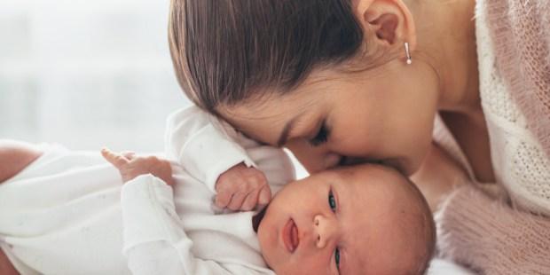 MUM, BABY, KISS