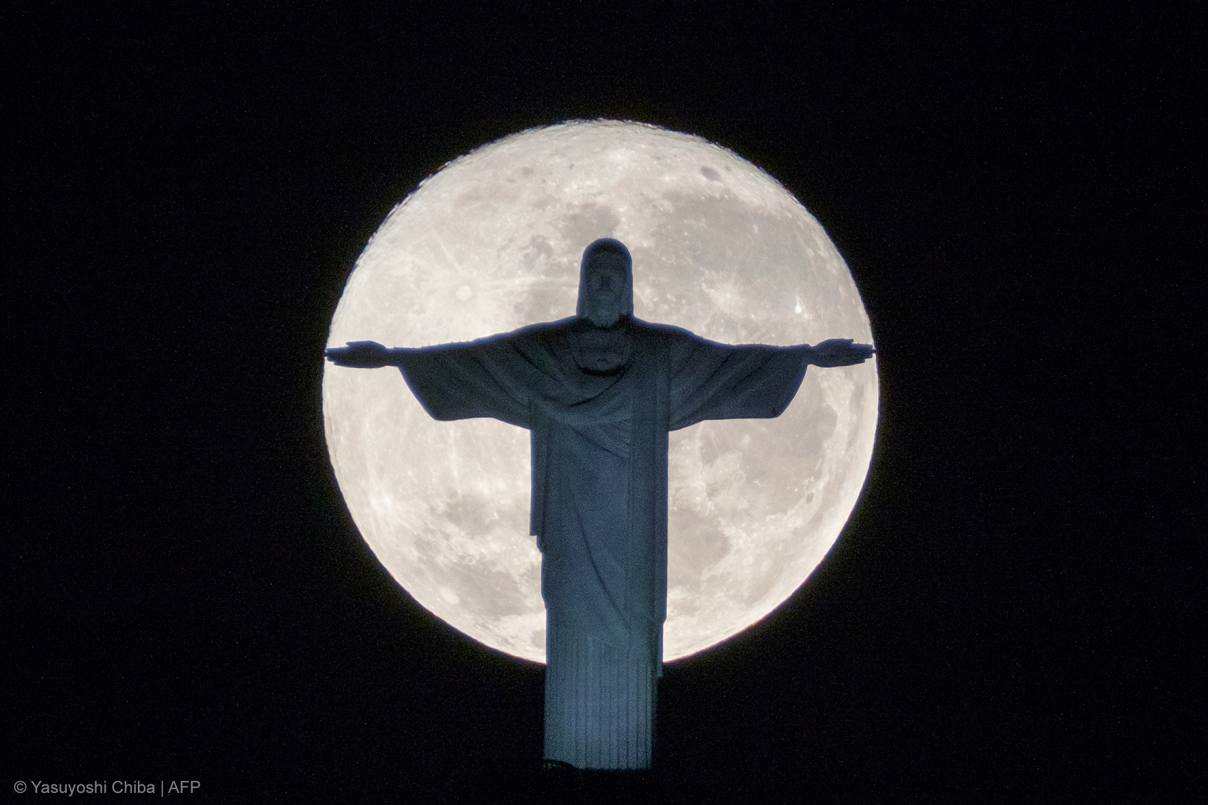 MOON,CHRIST THE REDEEMER