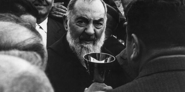 (FOTOGALLERY) Padre Pio e il miracolo della guarigione di María del Carmen Manera