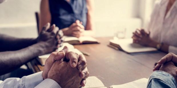 GROUP, PRAY, HANDS