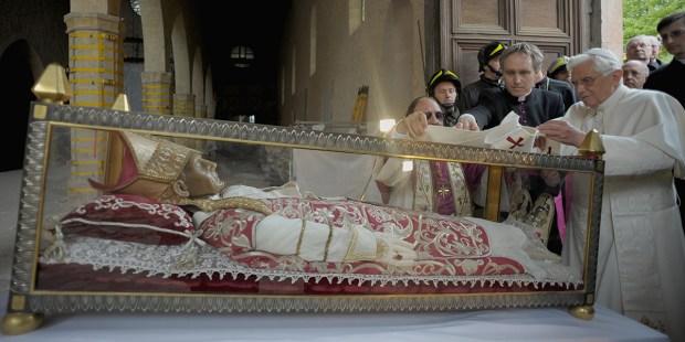 POPE BENEDICT XVI COLLEMAGGIO