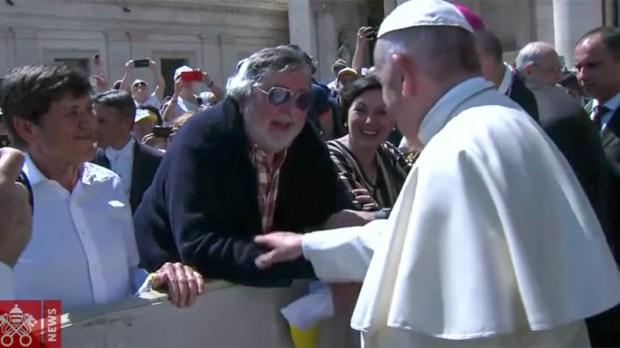 POPE FRANCIS GREETS FRANCESCO GUCCINI AND GIANNI MORANDI