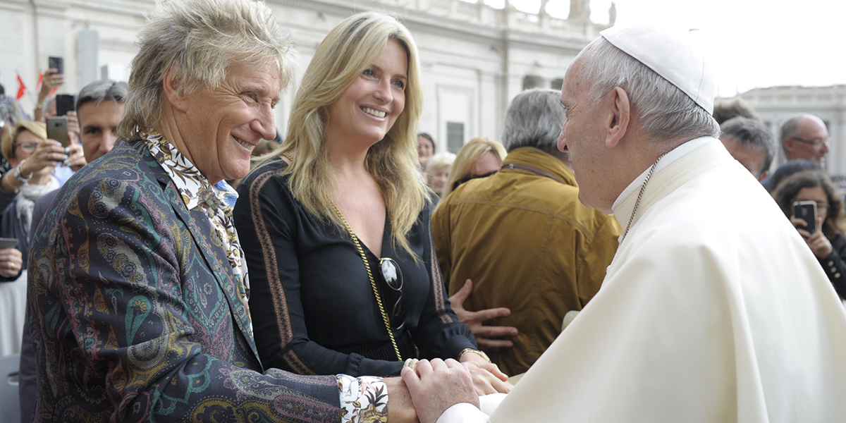 POPE FRANCIS GREETS ROD STEWART AND HIS WIFE PENNY LANCASTER