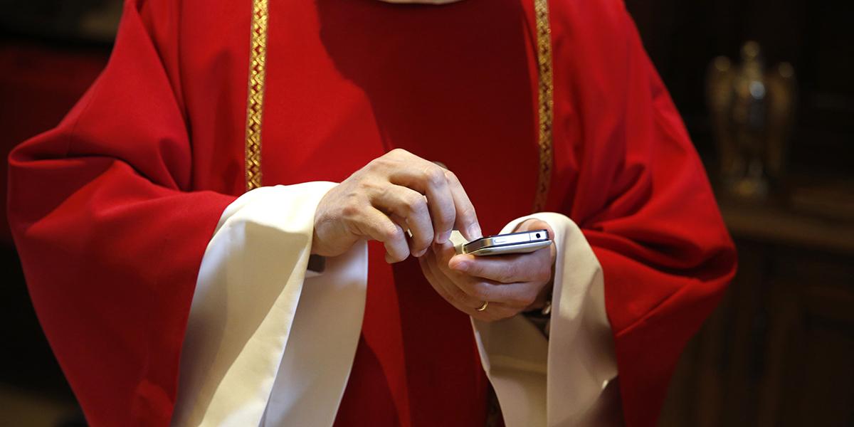PRIEST SMART PHONE