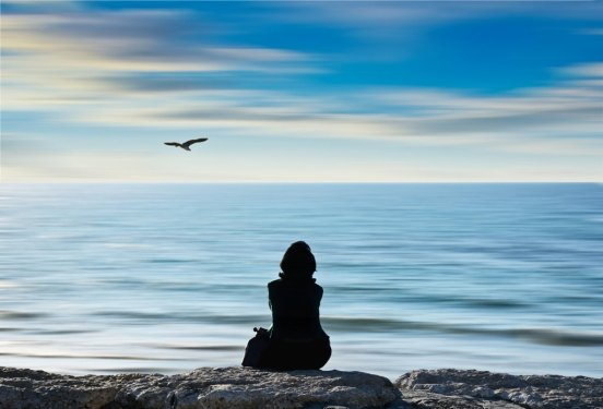 SEA, WOMAN, HORIZON