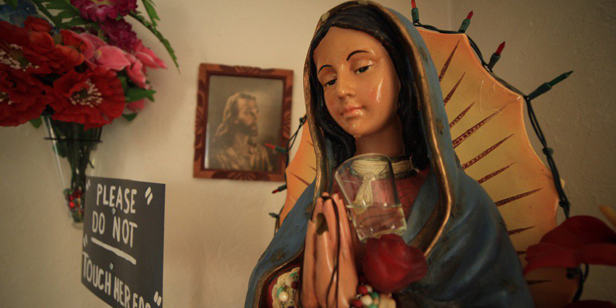 WEEPING,STATUE,MARY