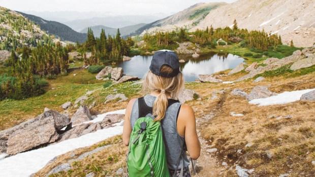 WOMAN,HIKING,MOUNTAINS