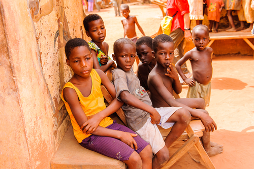 BAMBINI, AFRICA, MISSIONE