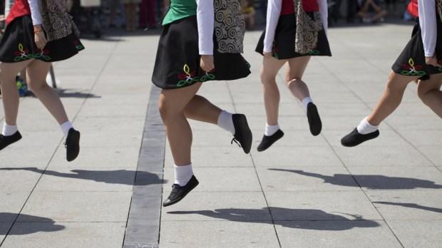 IRISH, DANCE, GROUP