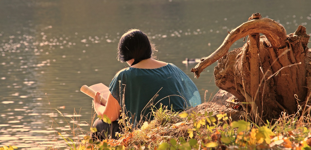 READING ON THE RIVER