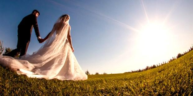 BRIDE GROOM SUN