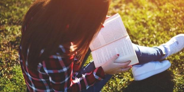 GIRL, READING, PARK