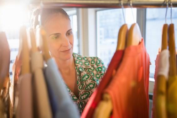 WOMAN, CLOTHES, SHOPPING