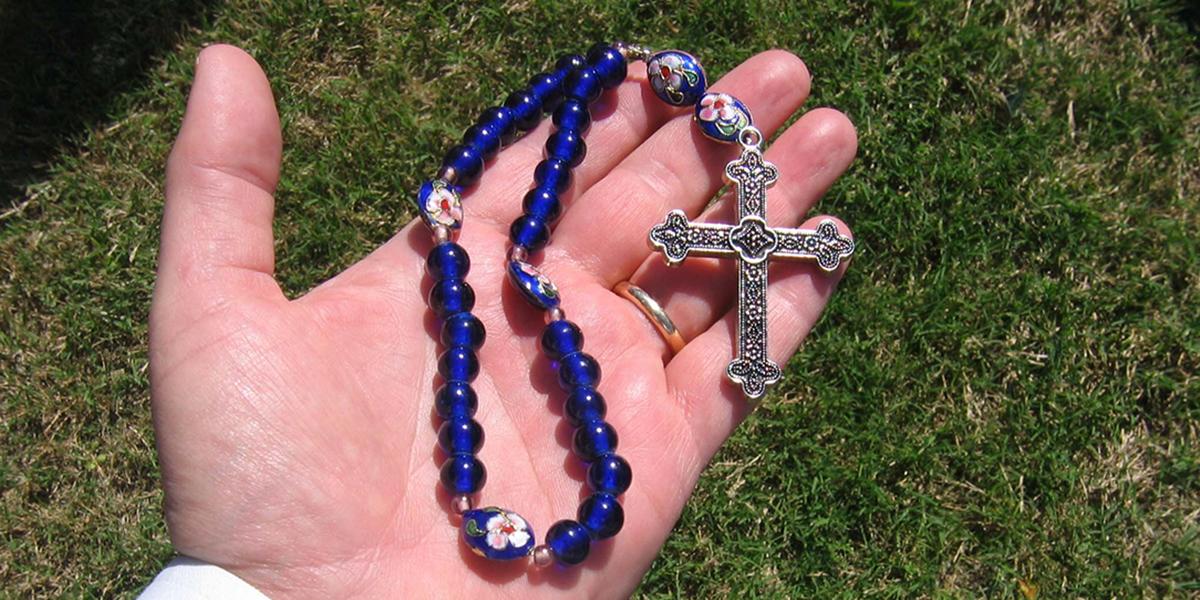 Anglican prayer beads