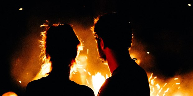 COUPLE PASSION FIRE