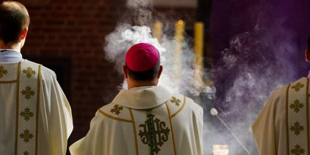 (FOTOGALLERY) 9 piaceri sensoriali del fatto di andare in chiesa che ora potrebbero mancarvi