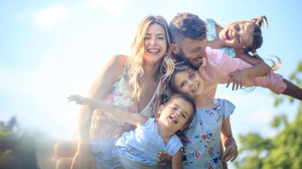 FAMILY, HAPPY, OUTDOOR
