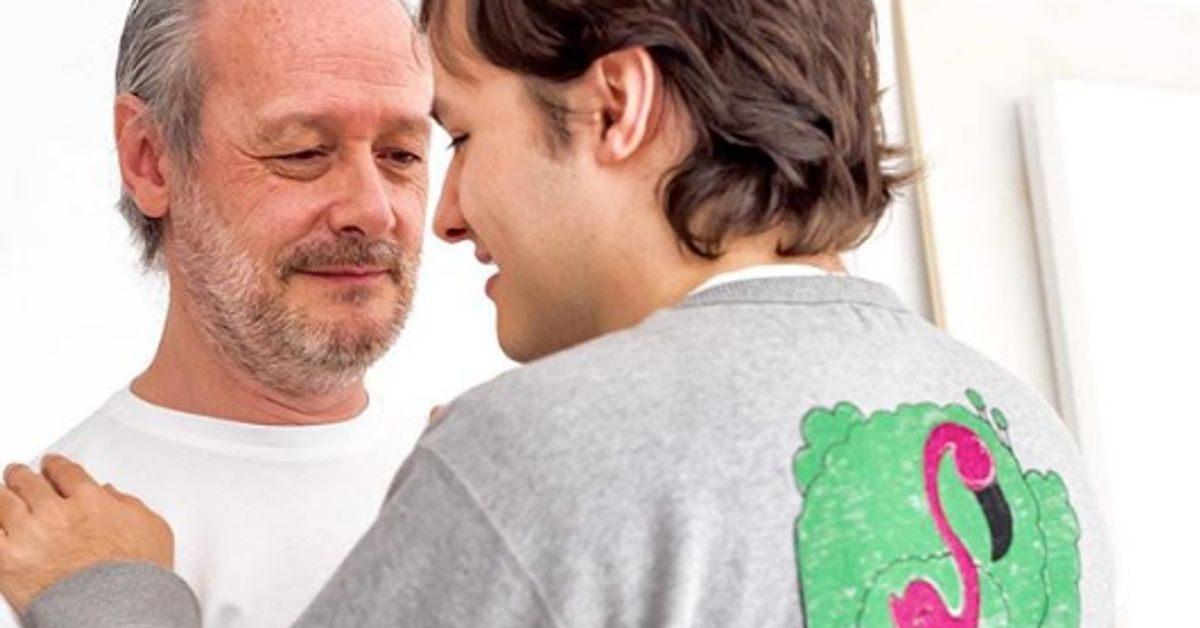 L'autismo è un disturbo del neurosviluppo caratterizzato dalla compromissione dell'interazione sociale e da deficit della comunicazione verbale e non verbale che provoca ristrettezza d'interessi e comportamenti ripetitivi.