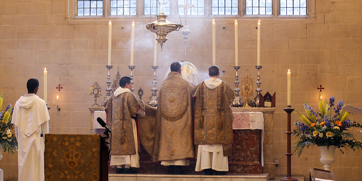 INCENSING ALTAR AND RELICS