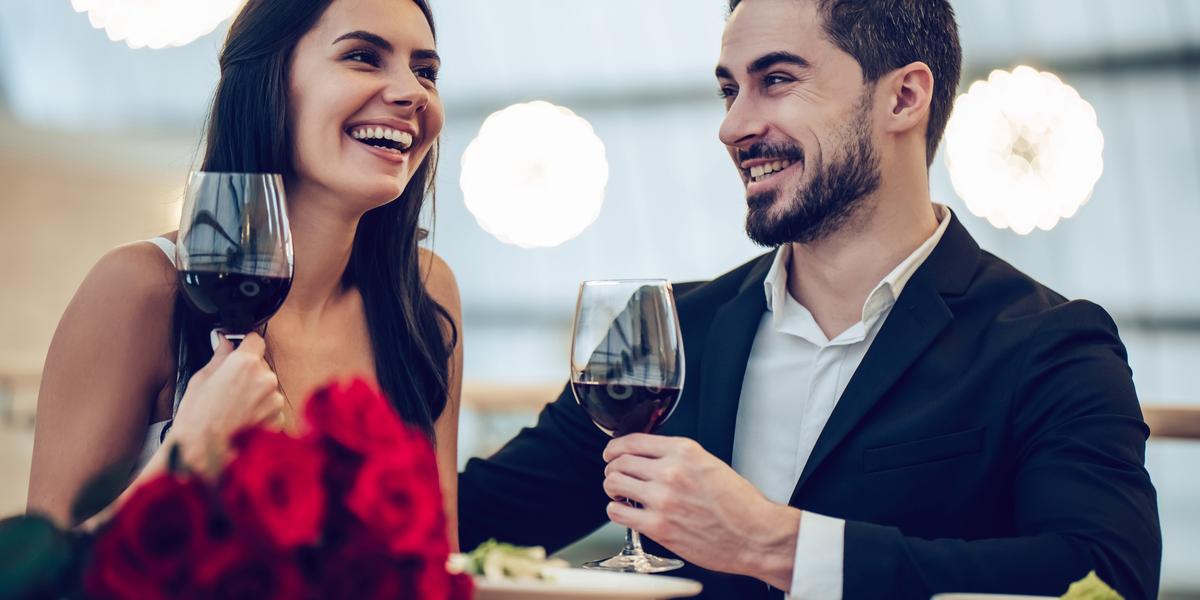 WOMAN, MAN, DATE