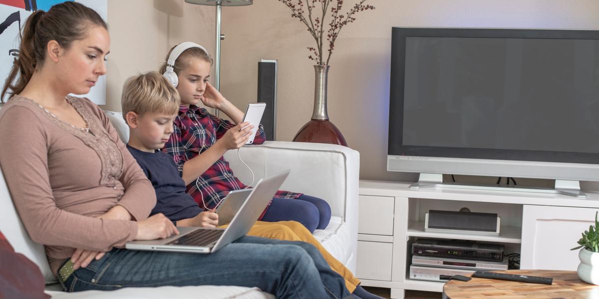 Phone, Family, Computer, Screens, Lent