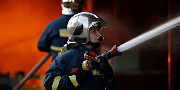 WOMAN, FIREFIGHTERS, FIRE,