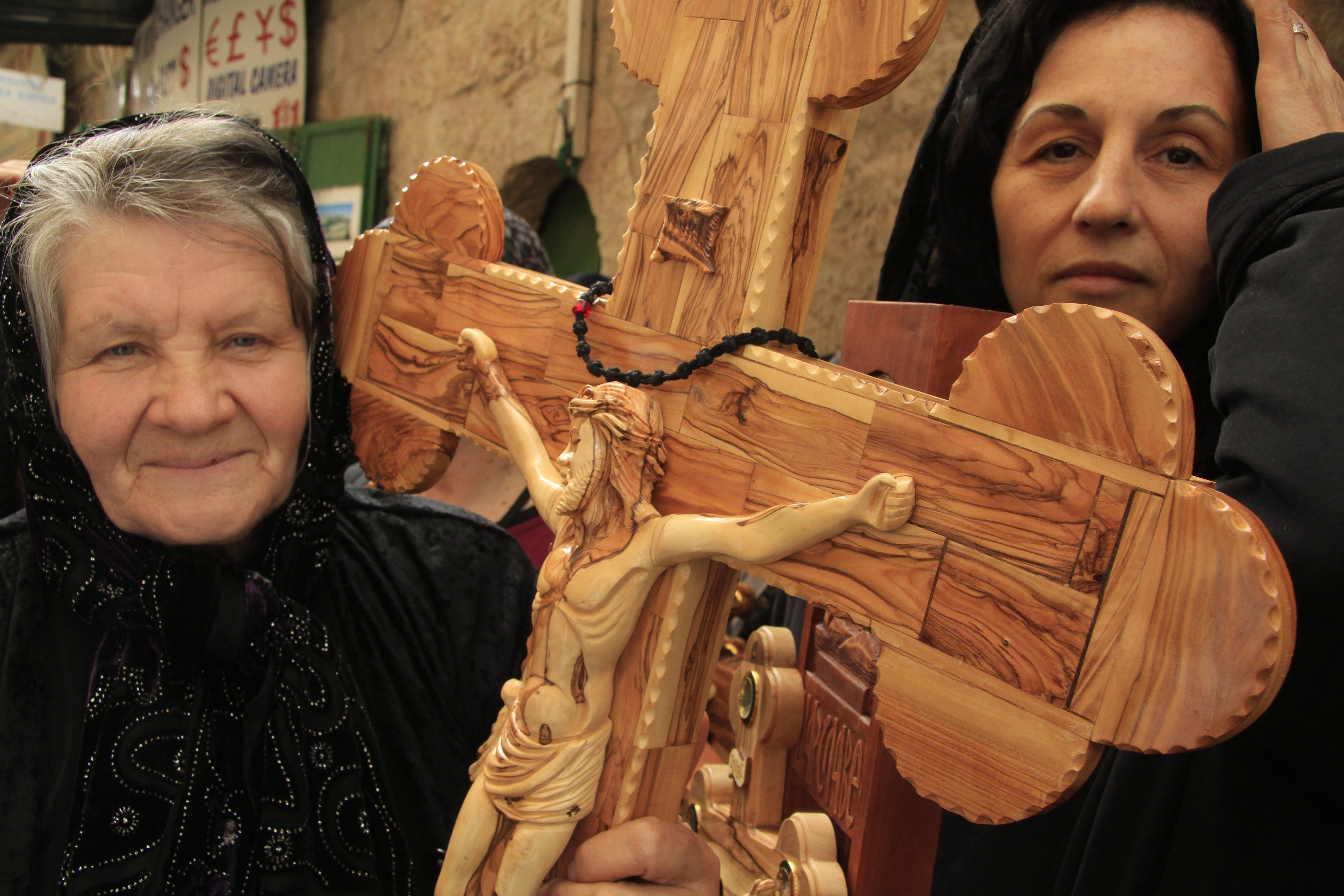 JERUSALEM, CRUCIFIX, WOMEN