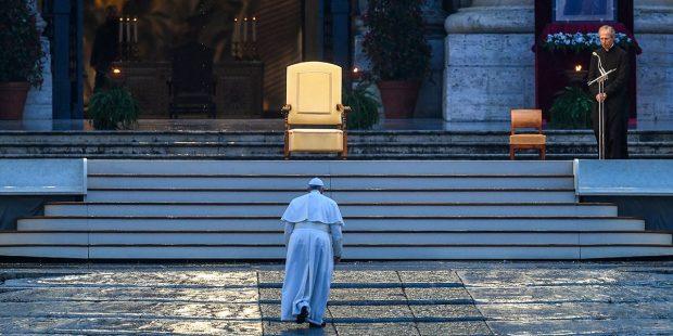 """(FOTOGALLERY) Le più belle foto della Benedizione """"Urbi et Orbi"""""""