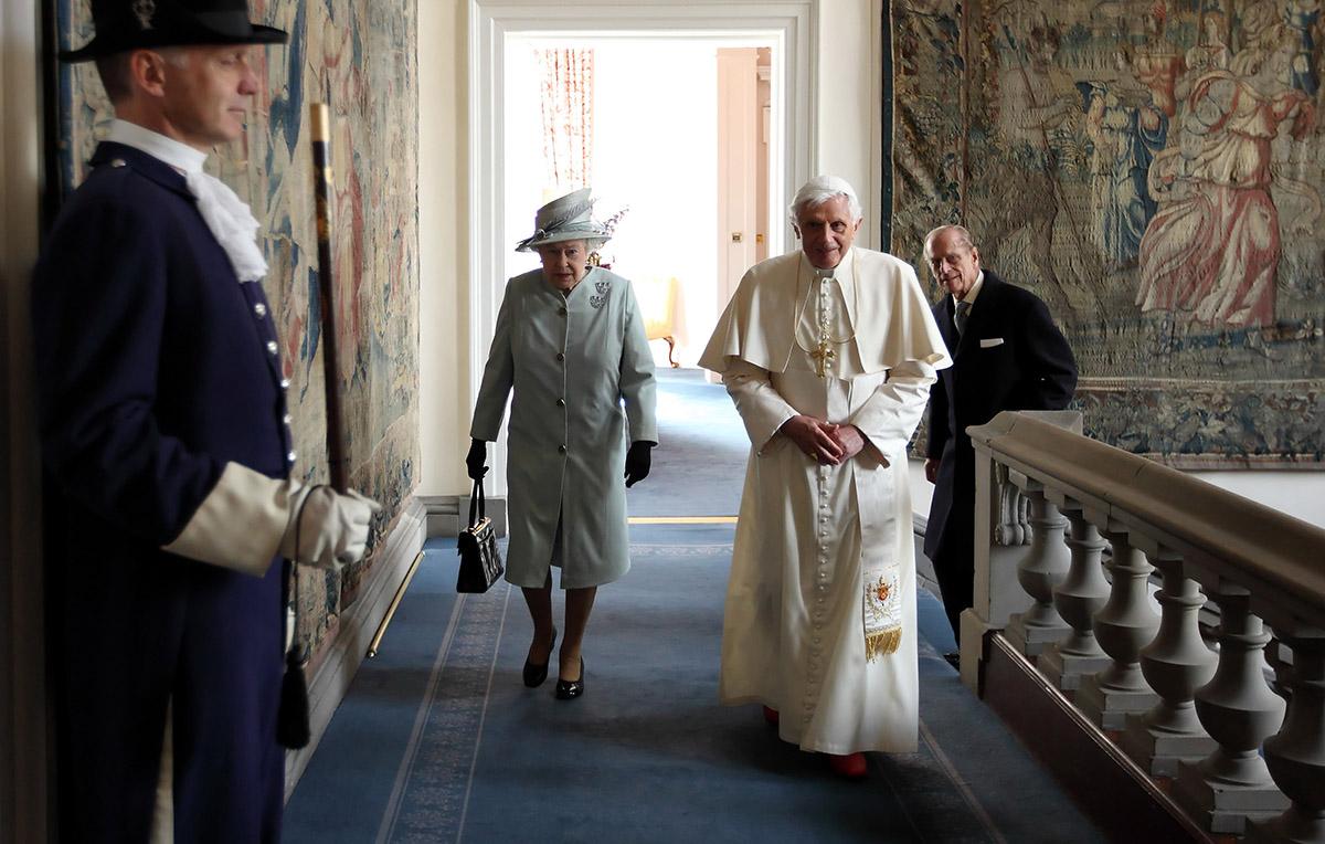 Quanti Papi Ha Conosciuto La Regina Elisabetta Ii