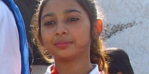 WEB2-PAKISTAN-YOUNG GIRL-ACN