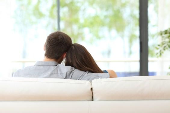 Couple canapé