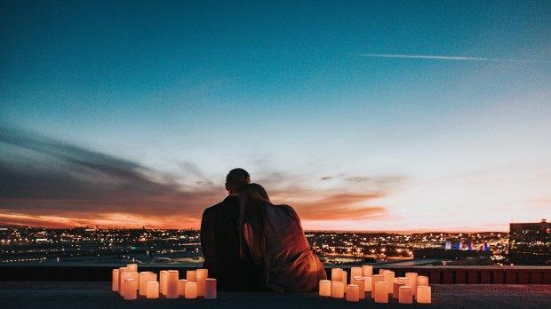 COUPLE LOVE LIGHTS EVENING