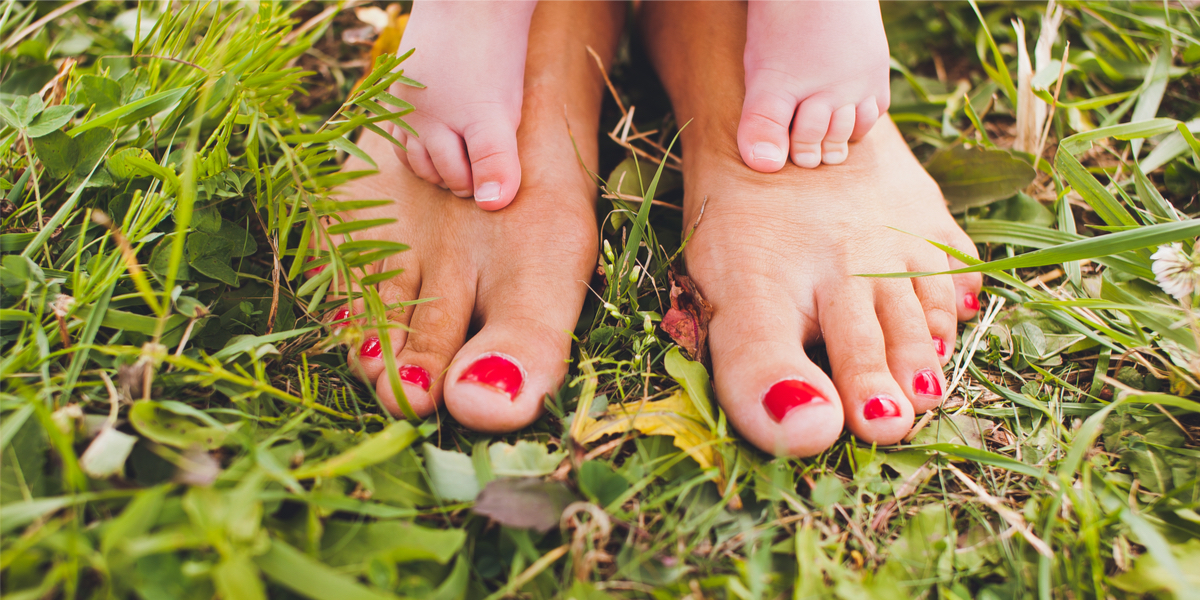 FEET OF MOM AND SON,