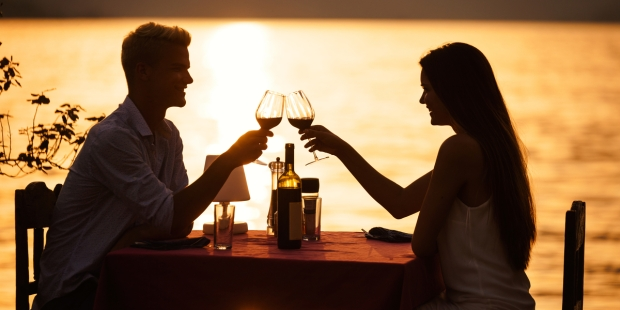 ROMANTIC, DINNER, SEA