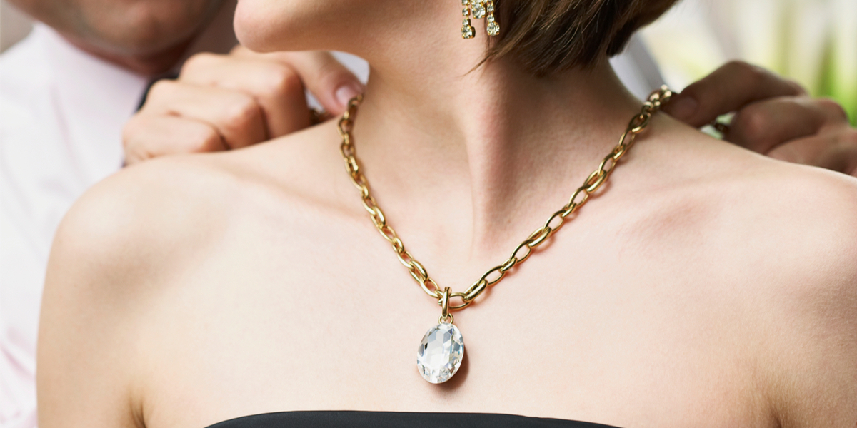 NECKLACE,